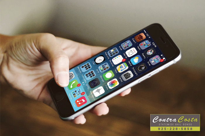 Did You Know: The Police Need A Warrant To Search Your Cell Phone?